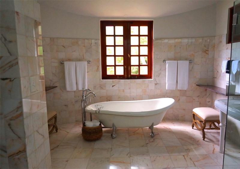 bañera baño moderno