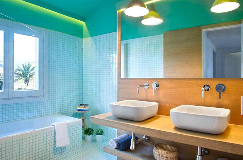 baño moderno turquesa