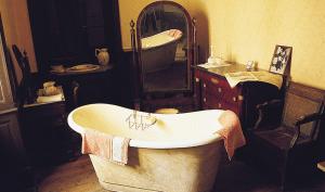 El azulejo y el cuarto de baño