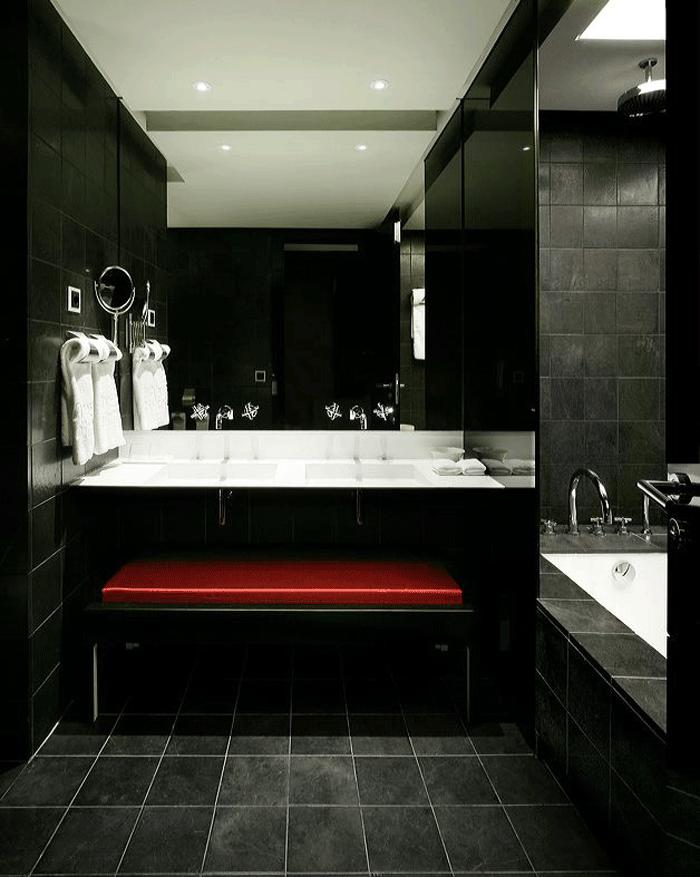 este modelo apuesta por la idea de una ducha dentro de la pared sin mampara con un estilo y decoracin muy sobrios diseo cuarto bao with modelos de cuarto de
