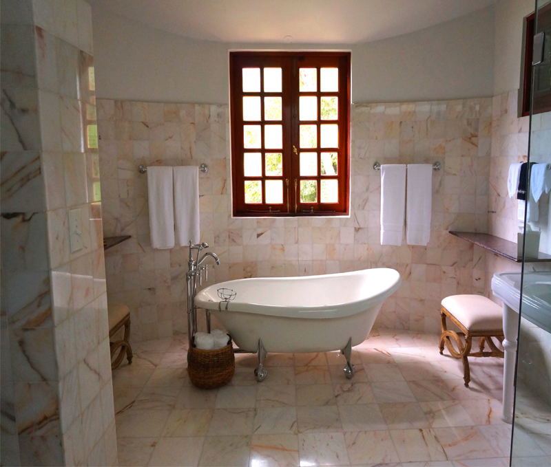 El Minimanie Ventanas: Cómo Elegir Las Ventanas Para El Cuarto De Baño