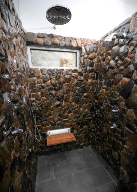 Duchas de piedra fotos ideas y consejos banium - Duchas de piedra ...