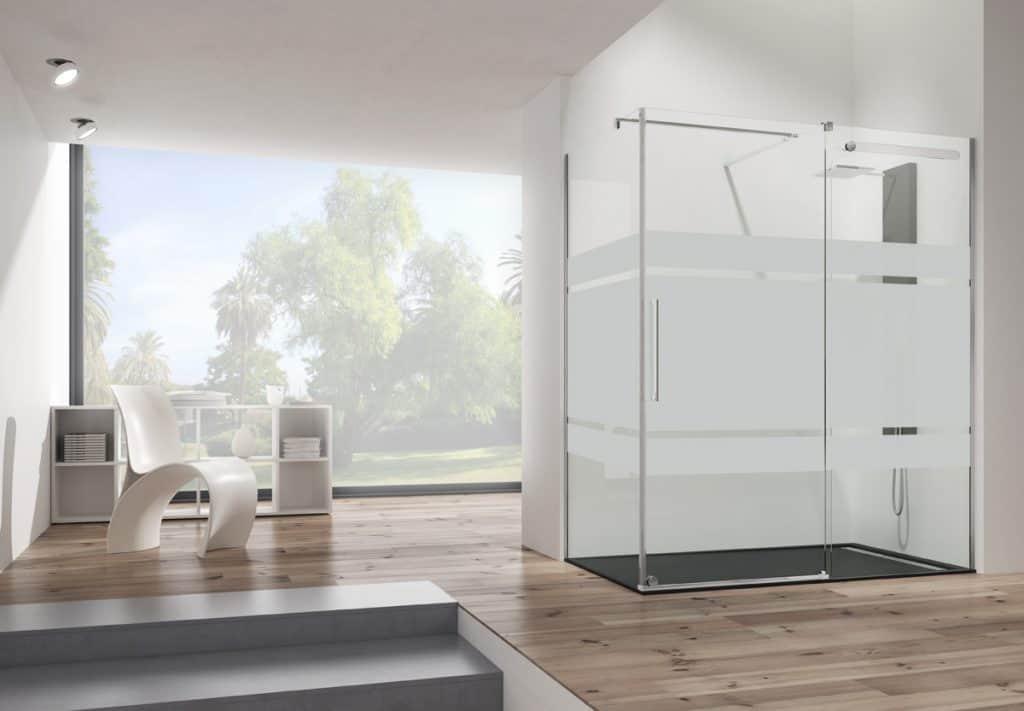 Cuarto de baño con mampara de ducha Vetrum | Banium.com