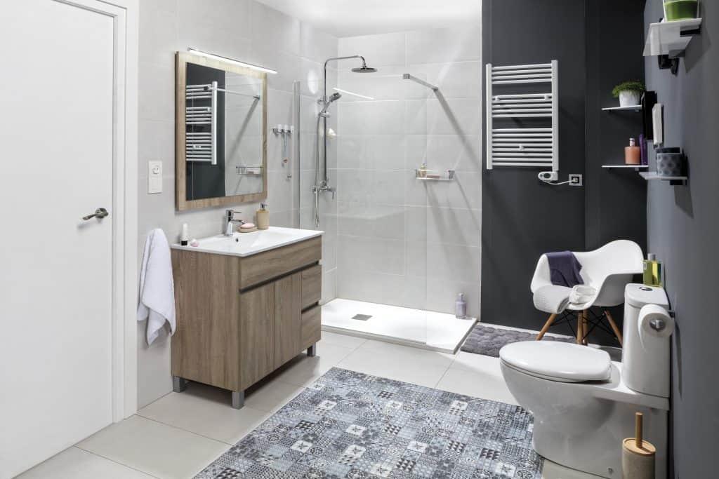 Cuarto de baño tradicional completo | Banium.com