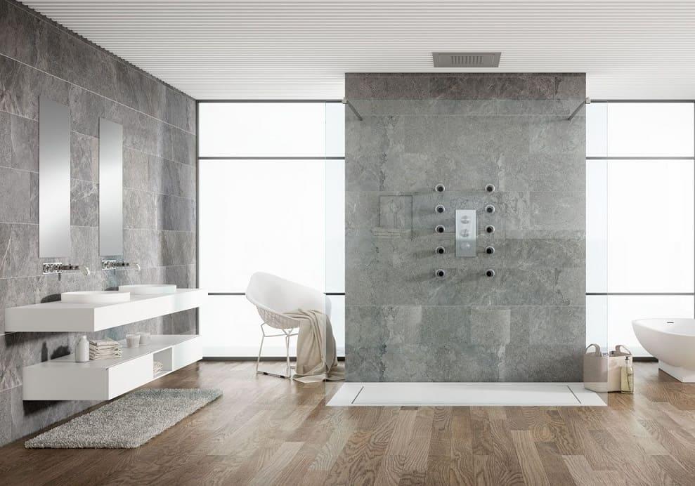 Cuarto de baño con plato de ducha Stark | Banium.com