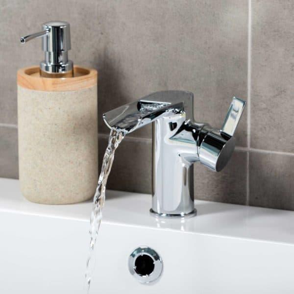 Grifo con cascada para lavabo Geo - Gamma